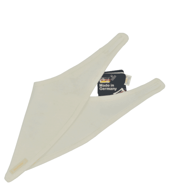 Maximo-Babyhalstuch-cremafarben-detail